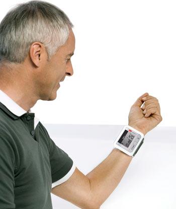 Blutdruckmessung am Handgelenk